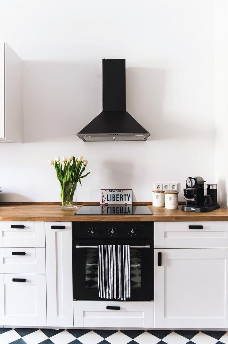die 25 besten k che schwarz wei ideen auf pinterest schwarz wei e k chen modernes elegantes. Black Bedroom Furniture Sets. Home Design Ideas
