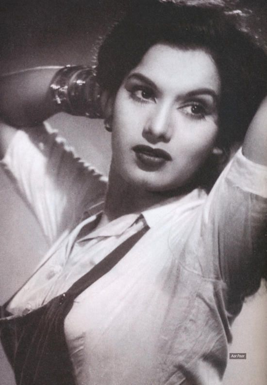 Shyama - Hindi Movie Actress of 1950's - Portrait and Video - Old Indian Photos