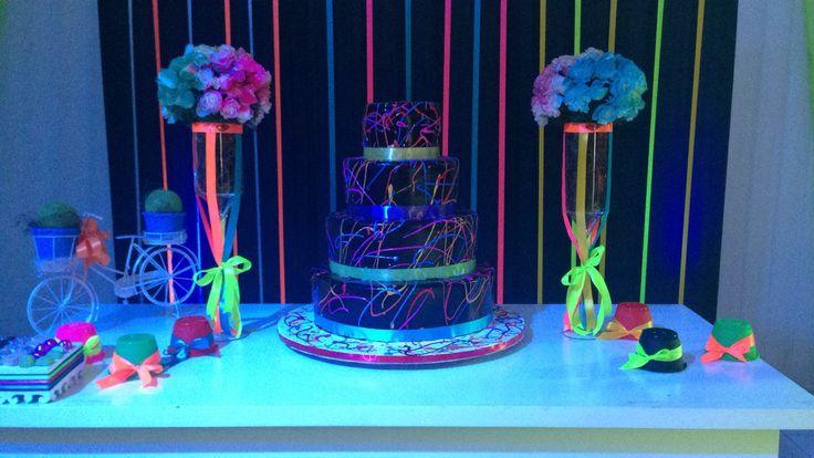 Decoracion Quincea?ero Neon ~ Neon party, Fiestas and Neon on Pinterest