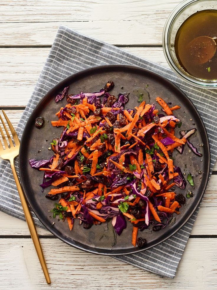 3 ingredient carrot salad packed with flavor, made under 5 minutes!