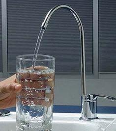 Tener un filtro de agua en el hogar es una decisión inteligente. En este artículo te decimos por que tener un filtro de agua te ahorrará dinero y mejorará