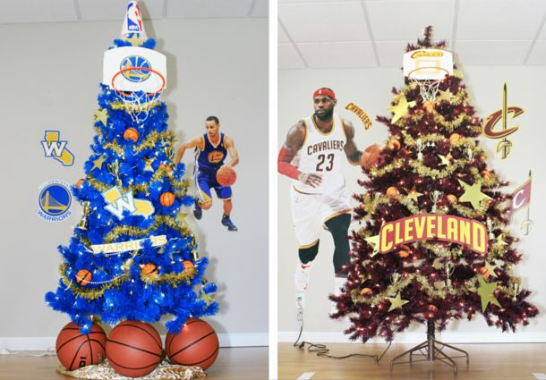 Cavs vs. Warriors tree decor! Great way to put your holiday tree to work in the summer | via Treetopia