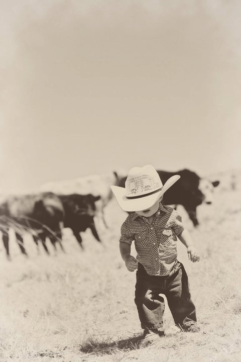 Lil Cowboy!  Totally what my little boys gunna be like!