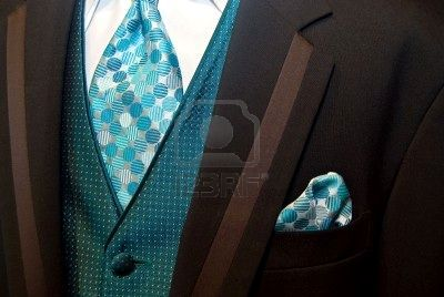 THIS! But replace the tie and pocket square with a purple or maroon, and the shirt with vice versa. fab!