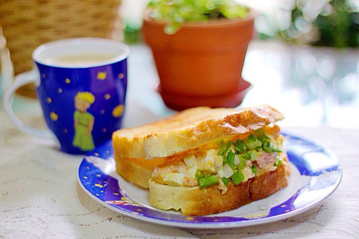 Crab meat & egg salad sandwich