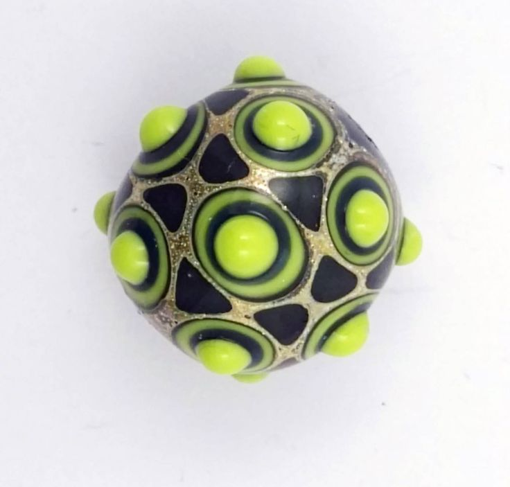 Green artisan glass lampwork focal bead di alessiafuga su Etsy