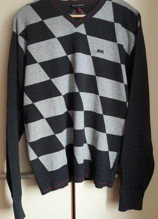 Kup mój przedmiot na #vintedpl http://www.vinted.pl/odziez-meska/swetry-w-serek/18612490-szary-sweter-ze-wzorem-dekolt-serek