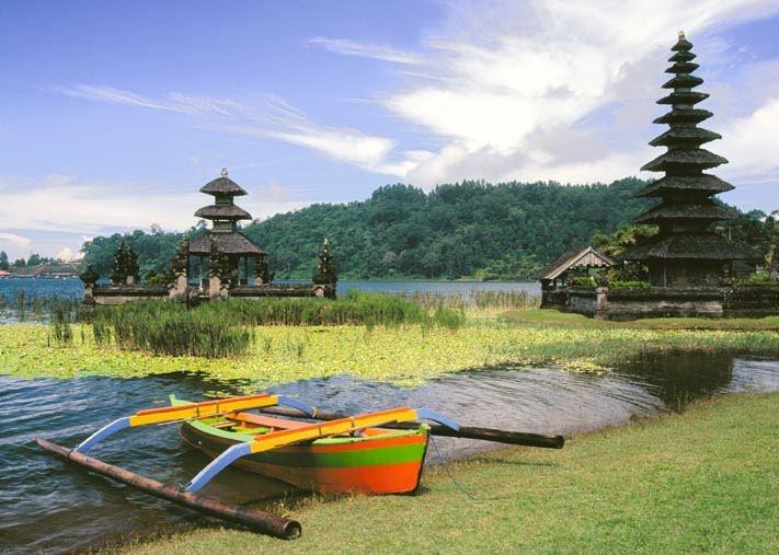Ulun Danu Temple, dadicate to Dewi Danau