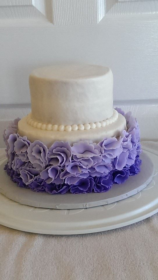 how to make ruffle roses on wedding cake ruffle ombre fondant flower wedding cake frosted friends 15987