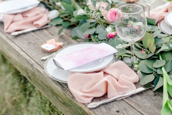 Wedding Table Setting Pink And Blushes
