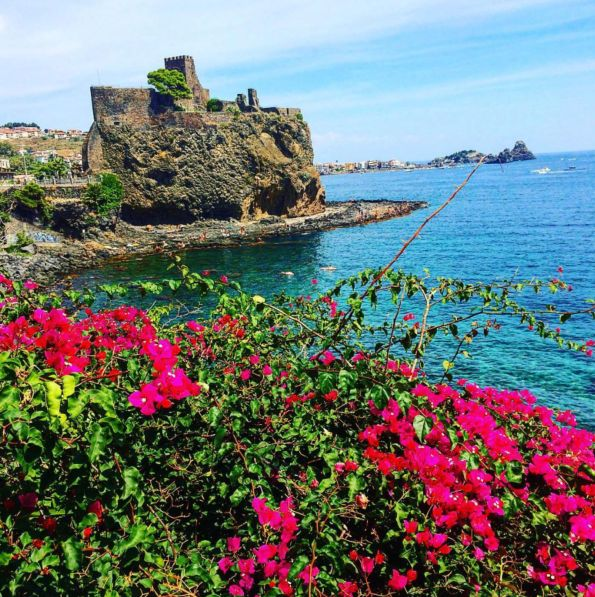 In the North of Catania, there is a very charming city and castle called Aci Castello. Explore this area at all moment of the day as you will discover new colours and new perspectives from the sunrise to the sunset.  #exploreitaly #spgitaly #italy #catania