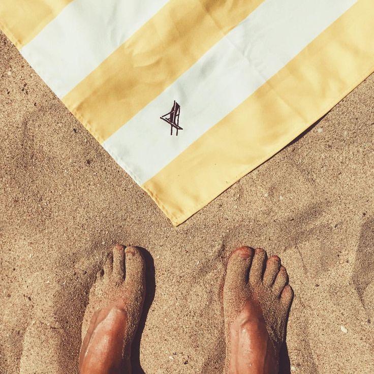 Beachday  #beach #beachday #mallorca #sun #summer #palm #holidays #travel #vscocam #instagood #dockandbay #yellow