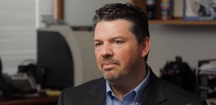 For Scott Womack, an Indiana franchise restaurant owner with over 25 years in the industry, the ACA mandate–coupled with the likely prospect of a minimum wage increase–meant it no longer made financial sense for him to stay in the casual dining business. The Daily Signal reports that he sold his 16 IHOP locations around the Hoosier state before the January 1, 2015 Obamacare employer mandate took effect.
