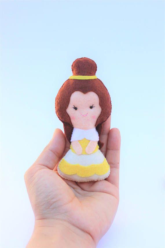 Muñecos de fieltro: Princesa Bella y príncipe regalo para