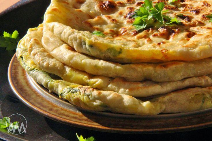 V kuchyni vždy otevřeno ...: Indická plněná aloo paratha ( celý fotopostup )