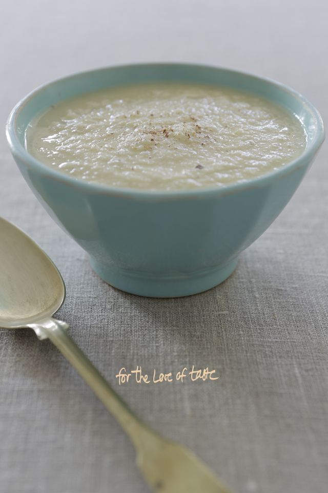Warming Winter soup :: http://wp.me/p5bAMk-h6  Celeriac sauerkraut soep with apple and rosemary  --------------------------------------------------------- Knolselderij zuurkool soep met appel rozemarijn