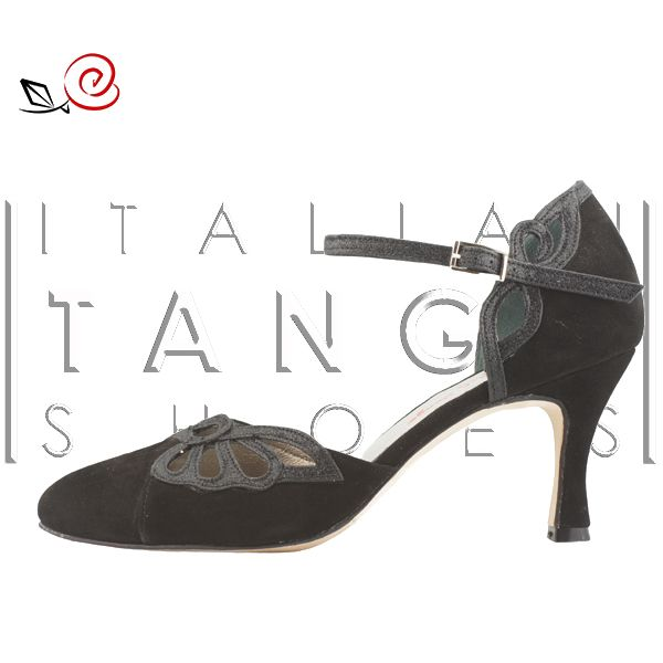 "For the lovers of the closed-toe tango shoes.... we present....the closed version of ""Camilla"" http://www.italiantangoshoes.com/shop/en/women/305-la-rosa-del-tango.html"