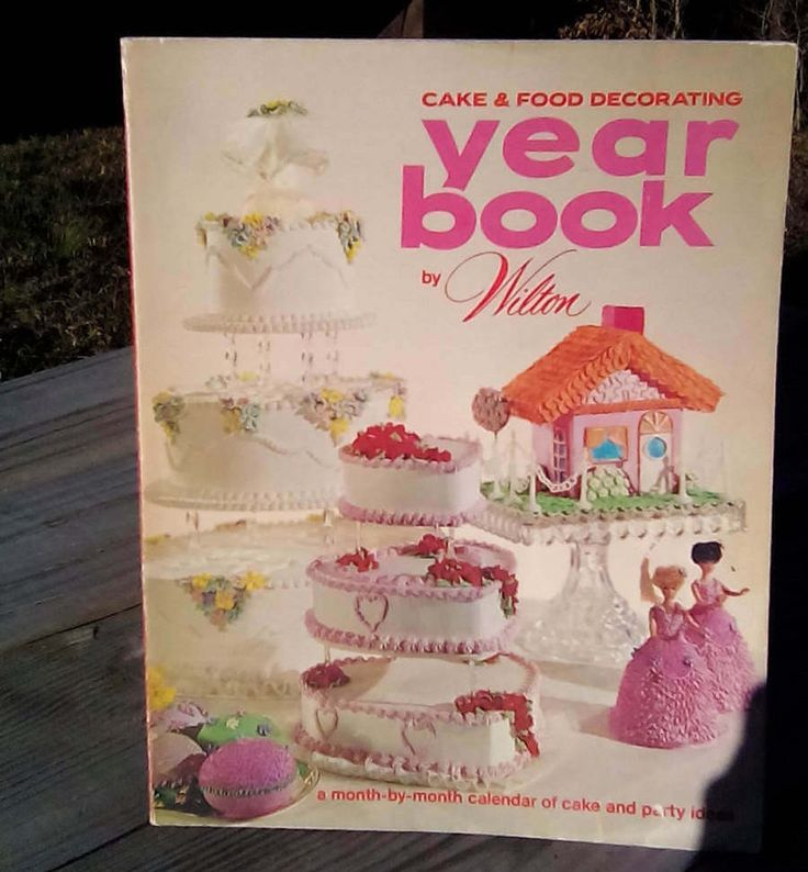 19 best wilton books images on Pinterest Wilton cake decorating, Wilton cakes and Yearbook covers