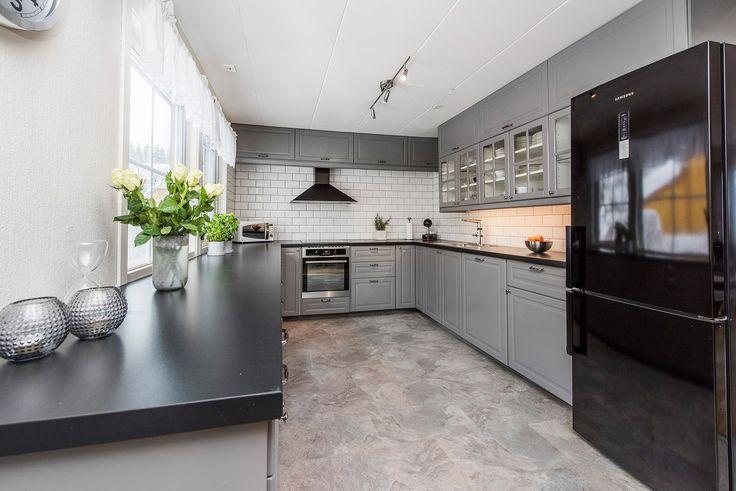 (13) Skedsmokorset/Tæruddalen - Enderekkehus med garasje, lekkert kjøkken, bad og vaskerom -Barnevennlig - Ingen forkjøpsrett | FINN.no