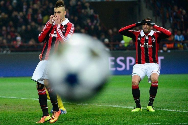 Milán 2-0 FC Barcelona   Giampaolo Pazzini y El Shaarawy se lamentan tras una ocasión fallada. [20.02.13]
