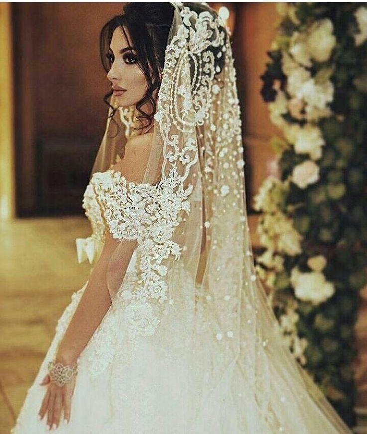 White Wedding Espa L: Cathedral Spanish Veil