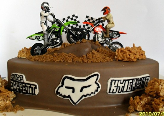 Motocross cake, totally going to try and make this for Blake.