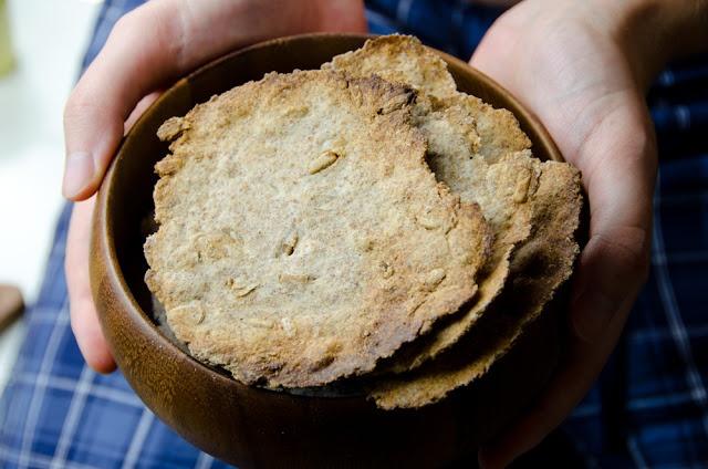 Nakkileipa o tortas finlandesas crujientes de pan de centeno. http://icantstandup.blogspot.com.es/2012/10/nakkileipa.html