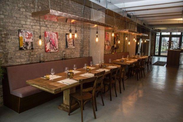 das restaurant setzt auf minimalistisches design kantine pinterest restaurants. Black Bedroom Furniture Sets. Home Design Ideas