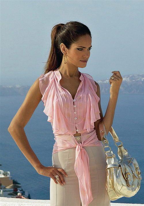Блузки с коротким рукавом (59 фото): блузы из атласа, реглан и цельнокроенный рукав