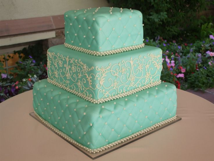Quilt Pattern Wedding Cake : 25+ best ideas about Quilted wedding cakes on Pinterest Diamond wedding cakes, Pastel square ...