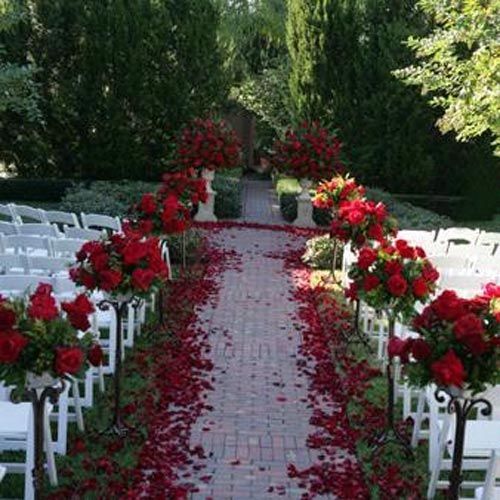 Flowers For Wedding Ceremony Altar: 17+ Best Images About Mariage Rouge, Noir & Blanc On