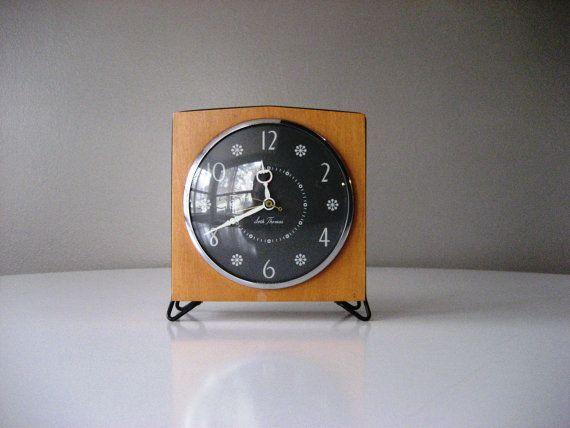 Seth Thomas Mid Century Modern Mantel Clock by modernrelicsshop, $85.00
