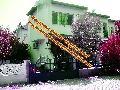 İzmir dikili ÇANDARLI satılık denize 0 site içerisinde dubleks yazlık 3+1 230 m2.ön ve arka bahçe denize 3 yüz adımmekeze sahilden eğlenceli ve huzur dolu bir yol Çandarlı liman projesiyle 1'e 10 avantaj bahçe içi açık park yeri.şehir suyu ve kuyu suyu seçenekleri ayrıca sitenin ortak su deposu demir parmaklıklı güvenlik.tüm kapı ve pencerelerde sineklikler Girişi tekerlekli sandalyeli engellilere ve yaşlılara uygundur.Alt katta, yukarıya çıkamayanlar için tuvalet ve duş sistemi ile geniş…