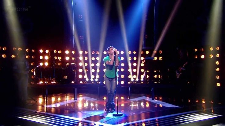 (HD) MAROON 5 'Payphone' & 'Moves Like Jagger' THE VOICE UK