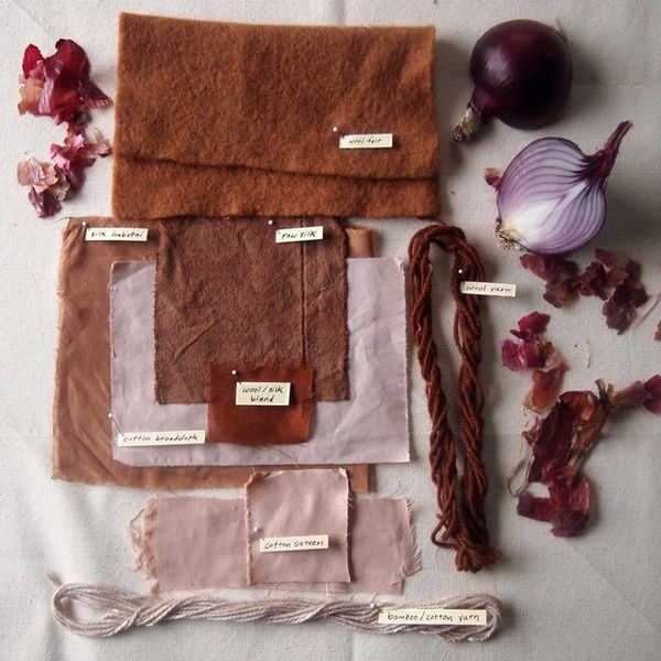 natural dye. red onion skins. easiest to start, need no color fixer nor a special/separate pot.