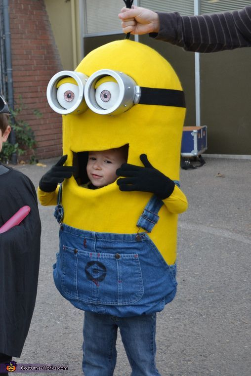 minion halloween costume contest at