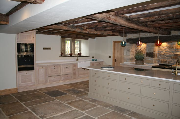 Aberford oak and painted kitchen.  Painted in Farrow and Ball Mouses Back.