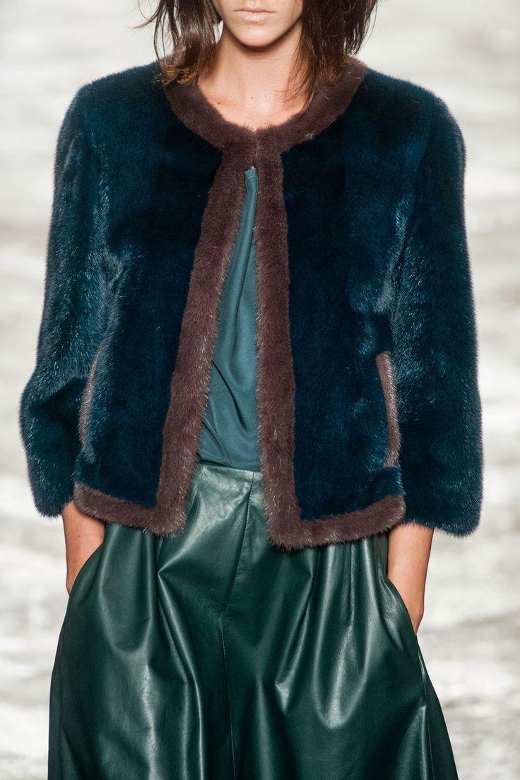 Fashion Show: Миланская Неделя Моды февраль 2014: Simonetta Ravizza Fall/Winter 2014/15