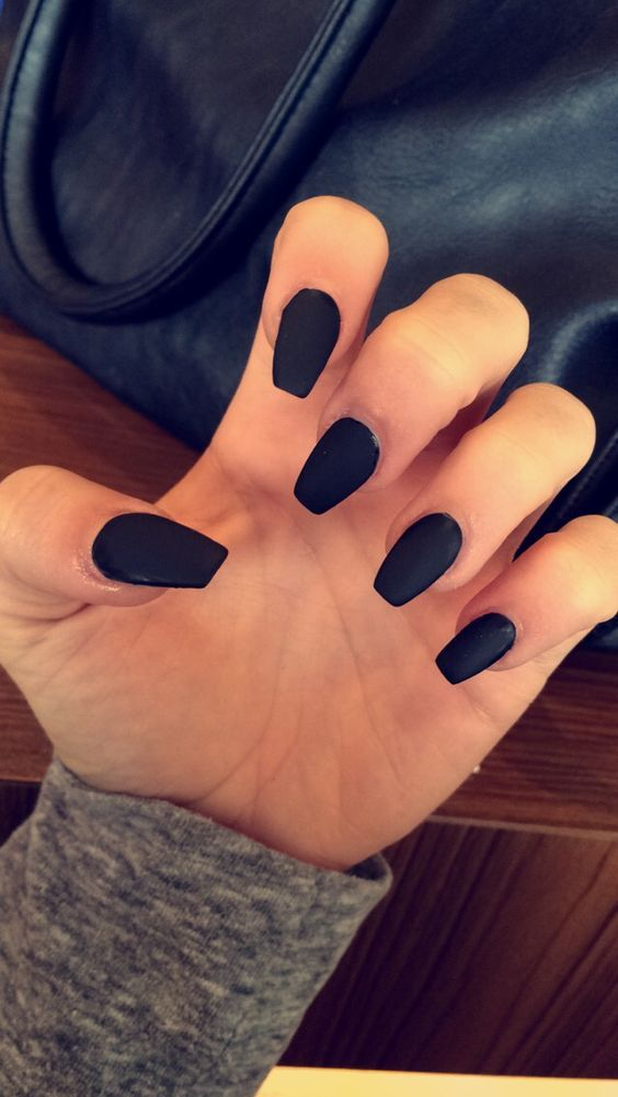 Matte black coffin shape acrylic nails: