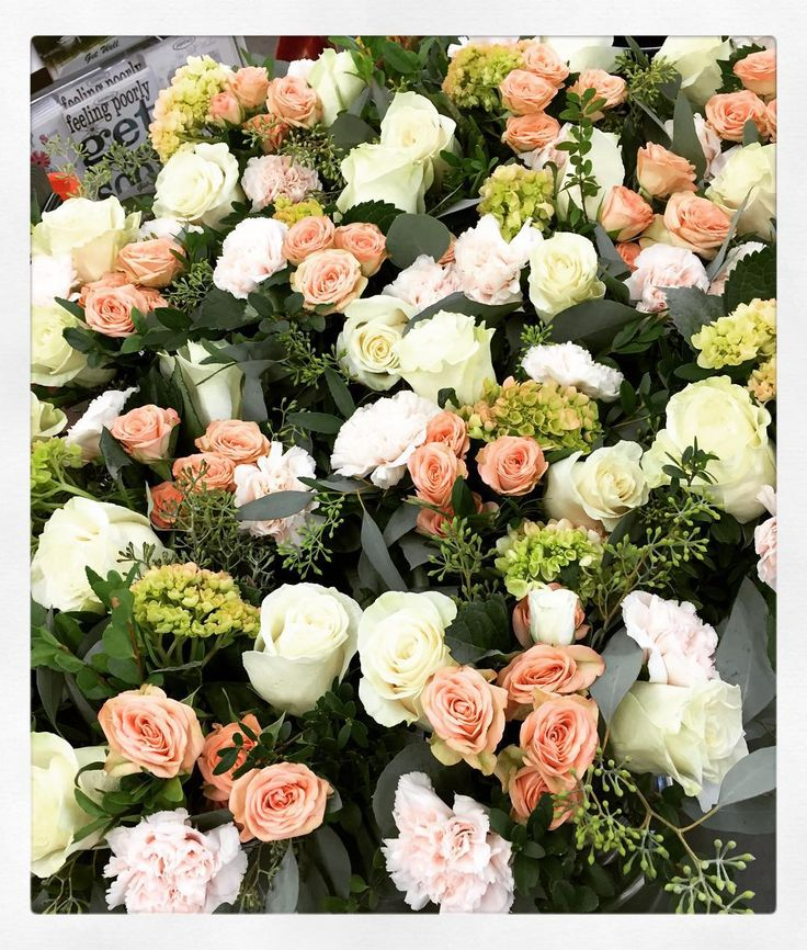 So #beautiful and such a #popular #colour combination for us last #summer ! #coral #peach #cream #lightpink #roses #hydrangea #carnations and #eucalyptus ! #Simple and #pretty!