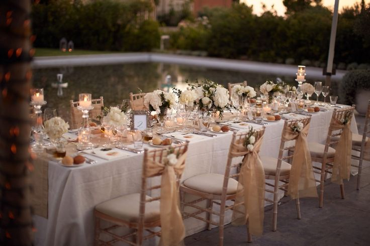 "This is a proper ""fairytale"" wedding table ! <3"