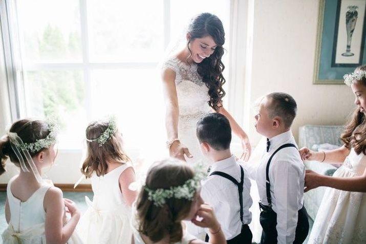 Insegnante di sostegno si sposa ed invita i suoi alunni disabili al matrimonio