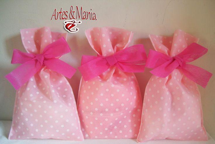 Artes & Mania: Sacola tnt rosa e poá branco