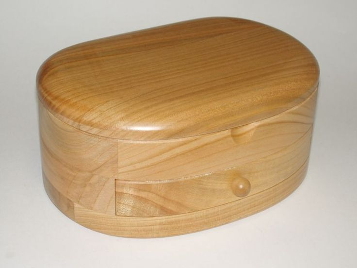 95.00 € www.soly-toys.com Personalized wooden jewelry boxes - Leeds
