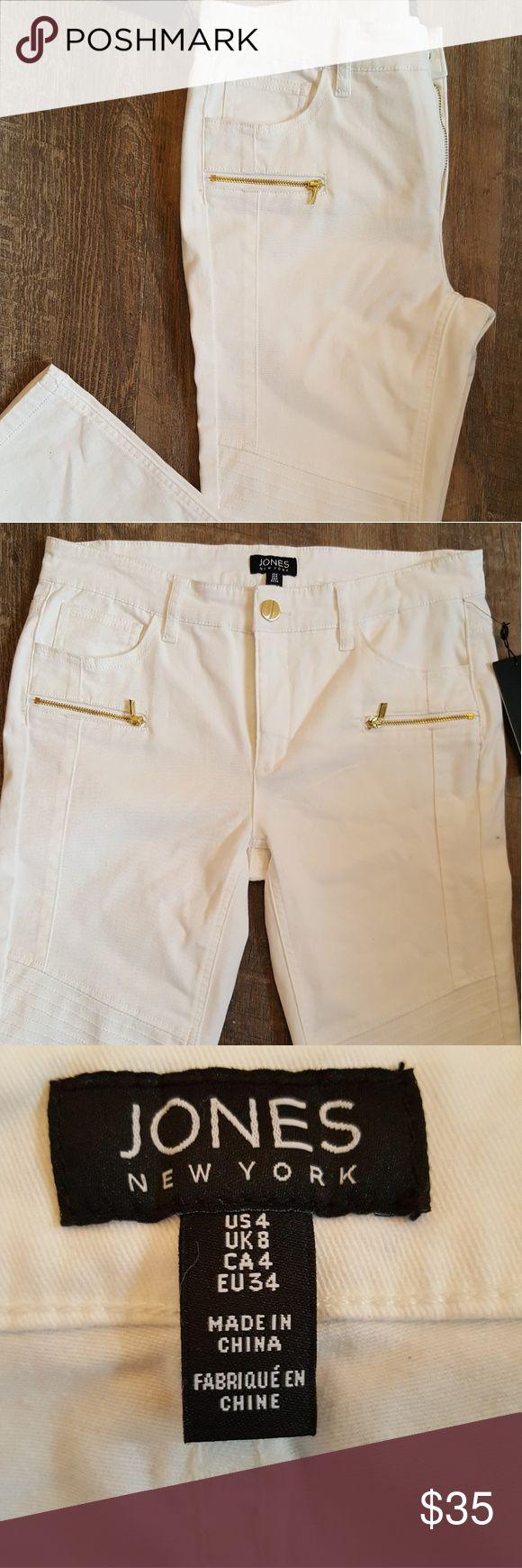 "Jones New York Moto Skinny Jeans Jones New York Moto Skinny Jeans  Size: 4  Color: White  Waist: 31"" approximately  Inseam: 29"" approximately  New with tags Jones New York Jeans Skinny"