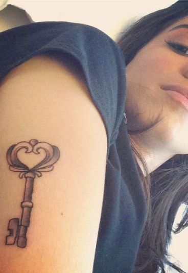 Tatuagens de Anitta - Tatuagem dos famosos: descubra as tattoos das celebridades!