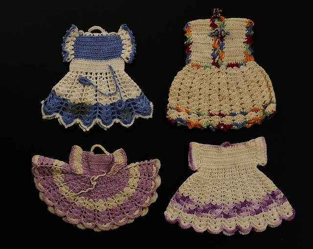 Crochet Pattern For A Doll : 71 best images about Vintage Potholders on Pinterest ...