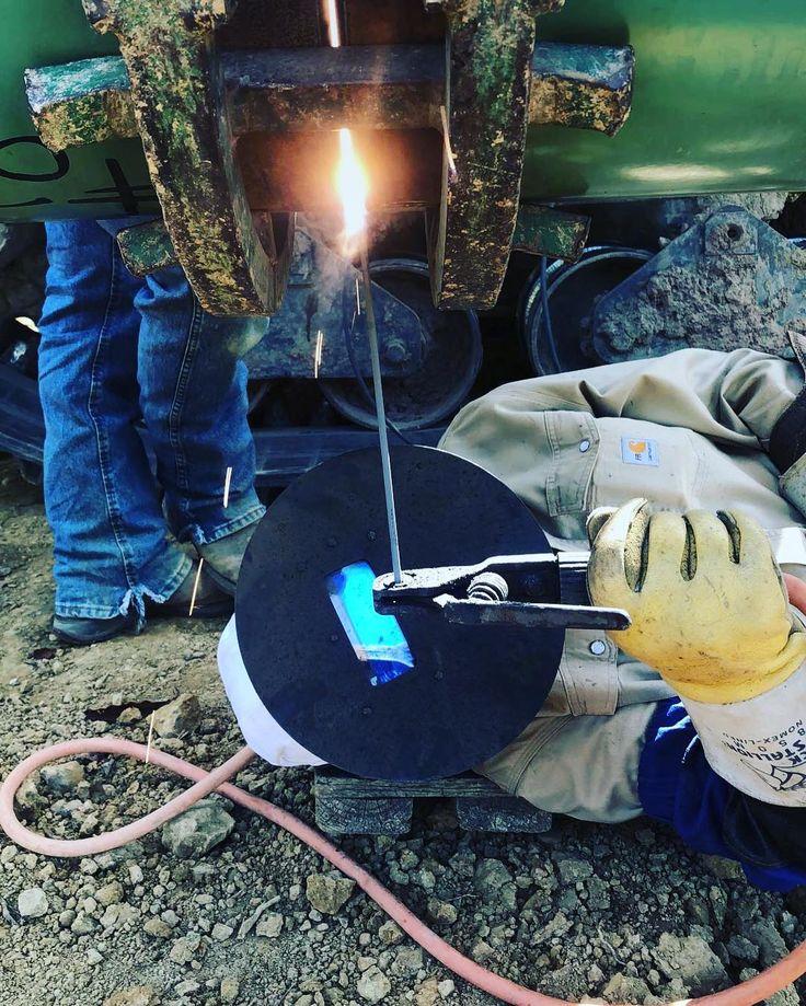 Sometimes i actually have to work #pipeline#pipeliner#welder#welding