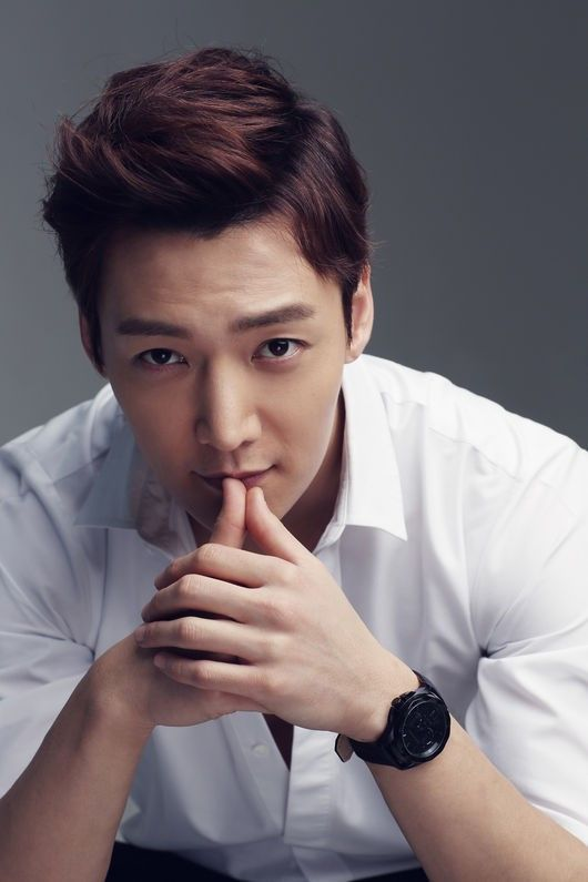 Choi Jin Hyuk Due to be discharged Dec 2016 11 Korean celebrities who enlisted in the military in 2015