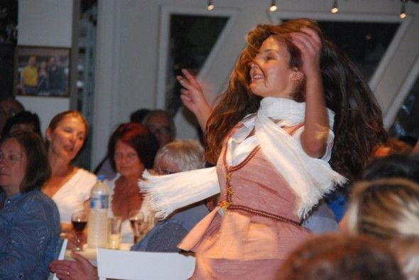 Santorini: Tanz auf dem Vulkan